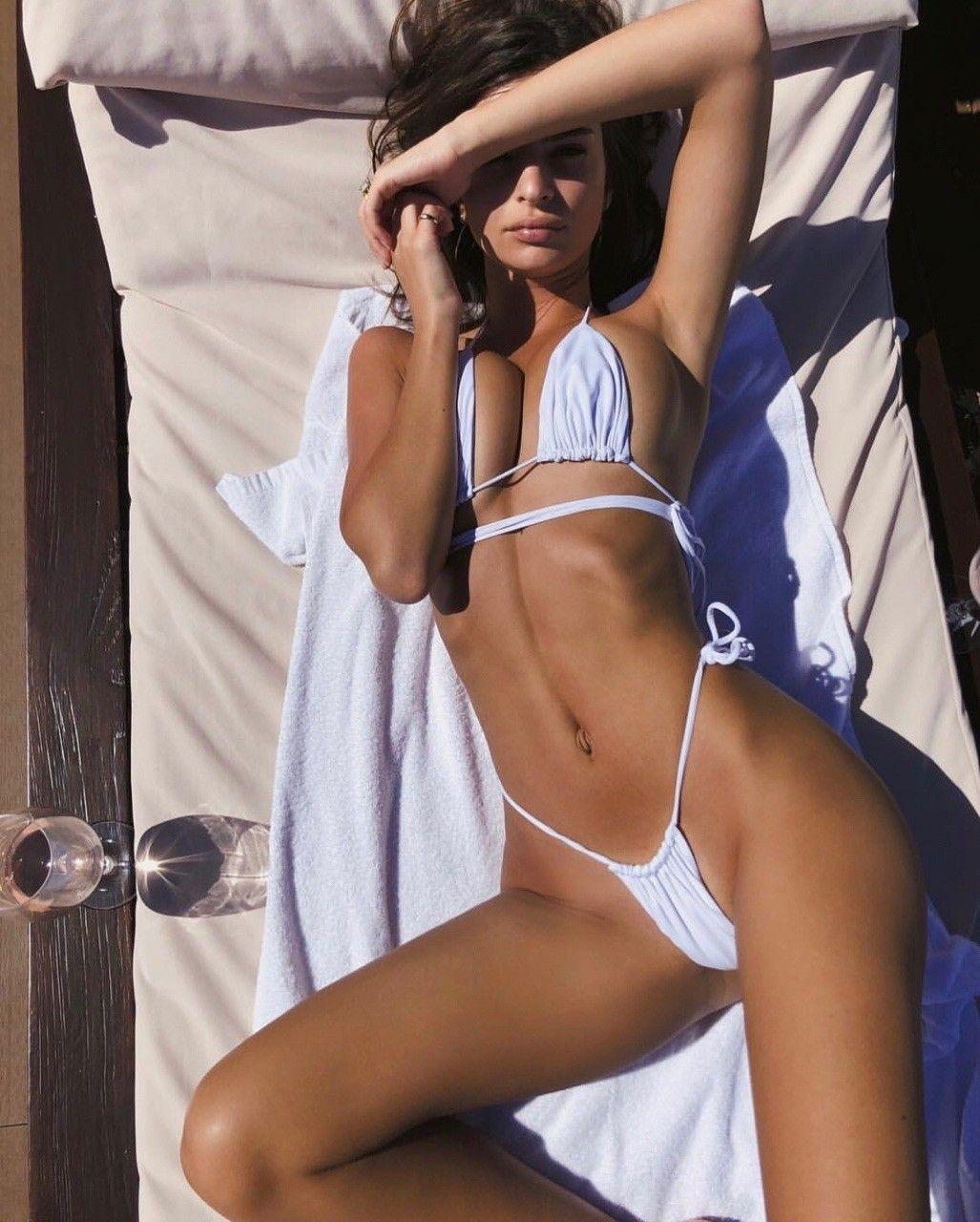 Pin auf Hot Bikini