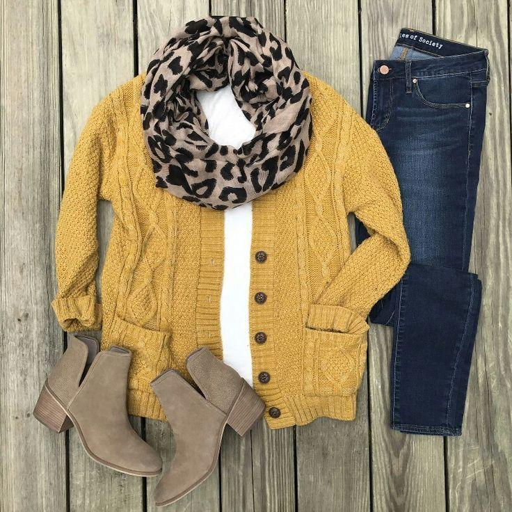 Ich liebe diesen Pullover Ich liebe es, mit diesem Hemd und diesen Jeans und diesem Schal gepaart Dies ist ein erstaunlicher …