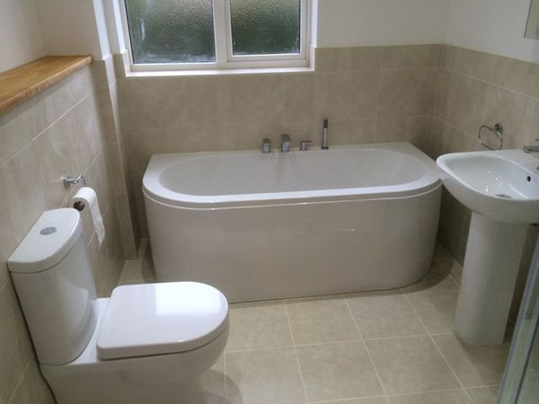D Shaped Bath Installation By Uk Bathroom Guru Bathroom Design Bathroom Redesign Bathroom Installation