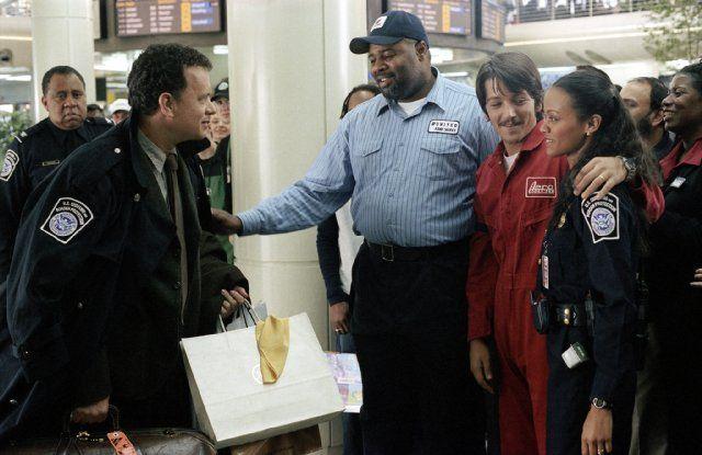 The Terminal 2004 Tom Hanks Zoe Saldana Diego Luna