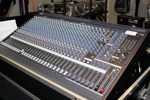 yamaha m7cl 48 48ch digital mixing console for sale in bonaire georgia classifieds. Black Bedroom Furniture Sets. Home Design Ideas