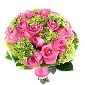 encuentra este pin y muchos ms en ramos de novia con rosas colores de rosas con flores hortensias