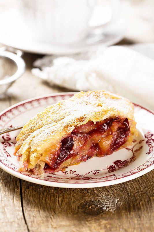 Осеннее, прекрасное и невероятной любовью любимое. Это я о сливовых пирогах, если что:) Во всех возможных вариантах: с хрустящей посыпкой, с нежным кремом, с…