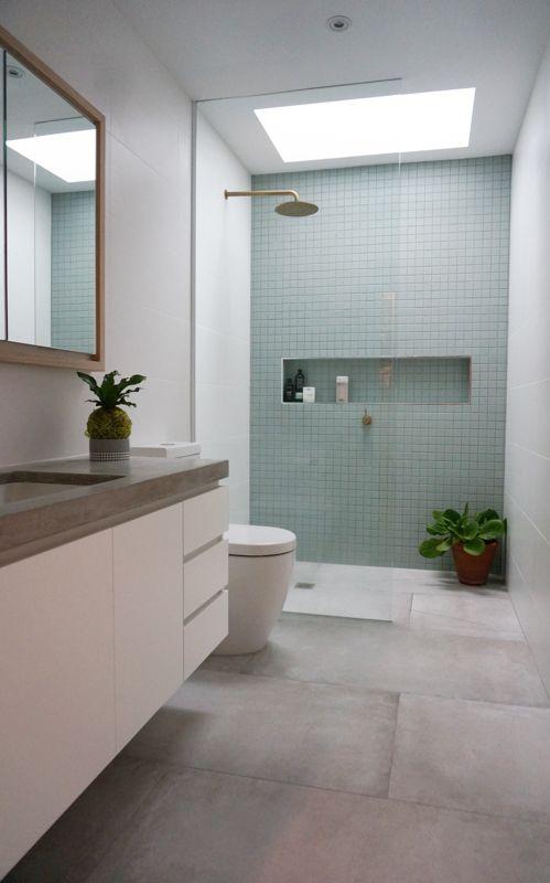 Leuke frisse badkamer. Twijfel wel over vloer, ietwat kil misschien