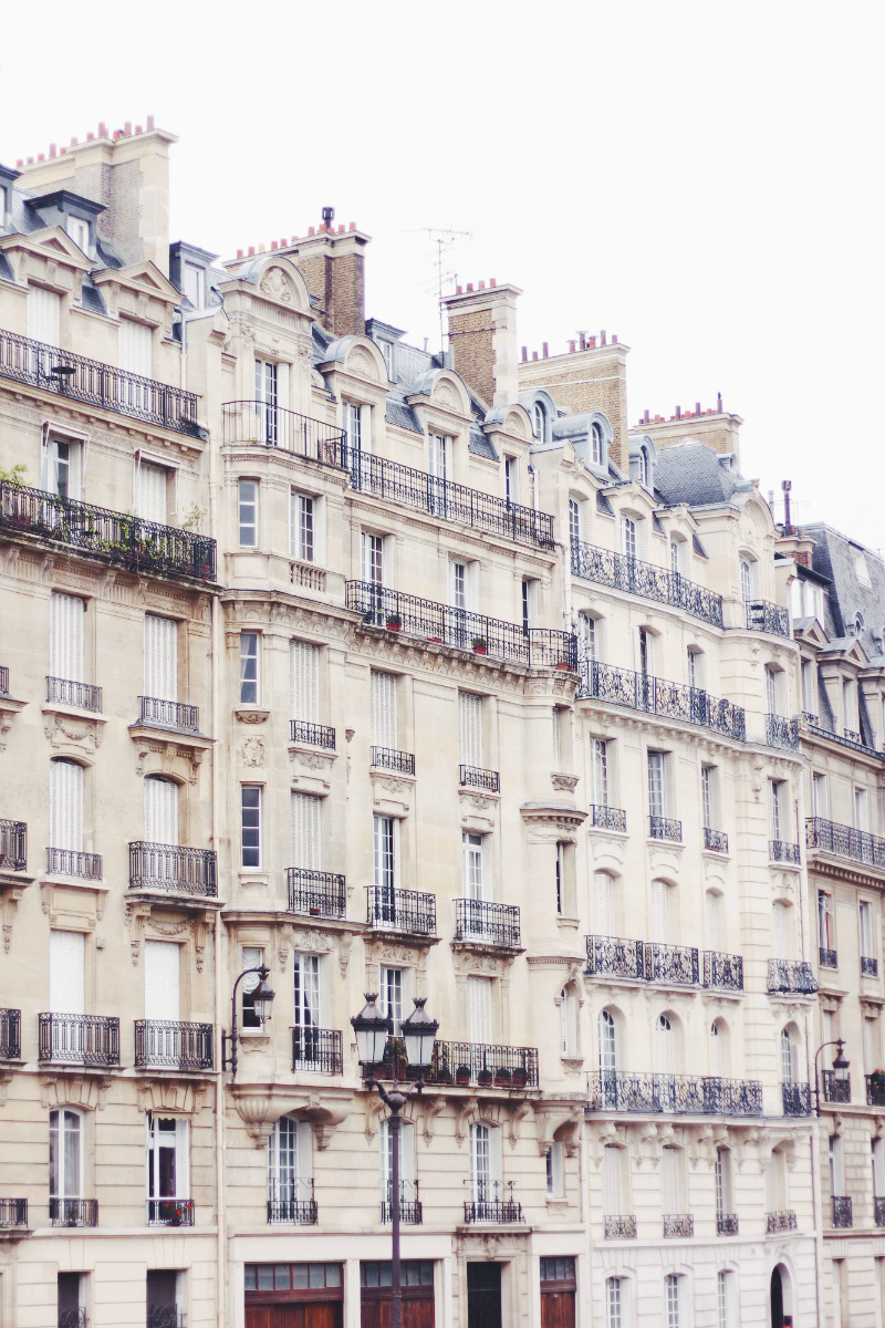 The beautiful streets and architecture of paris. PHOTOGRAPHY + TRAVEL | Paris 2014 // www.radiatefashion.com