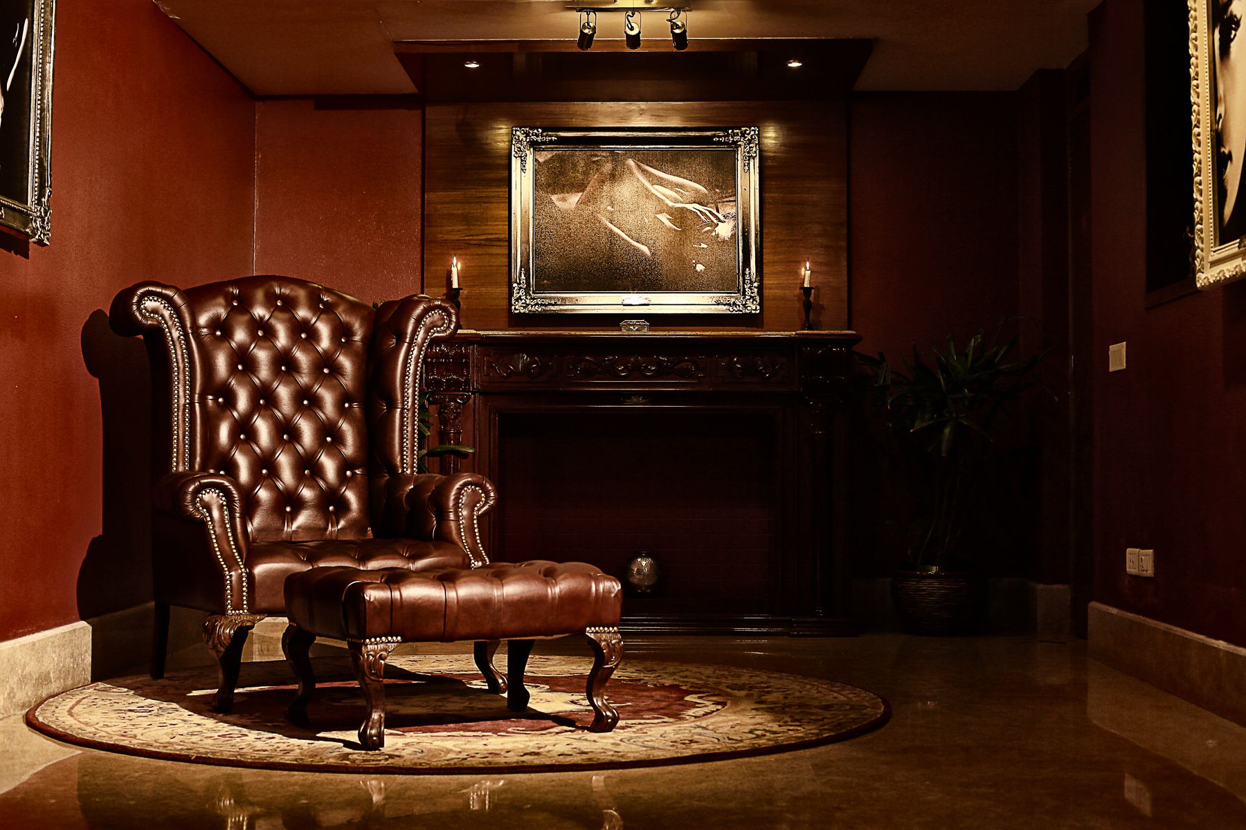 The majestic uwinchester chair with foot restu made in fine leather
