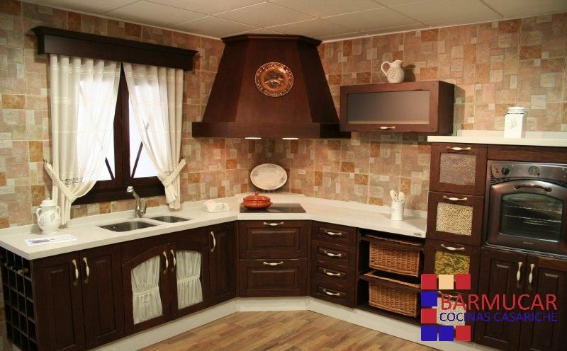 Cocinas by chary0402 on pinterest cream kitchens - Cocinas de madera rusticas ...