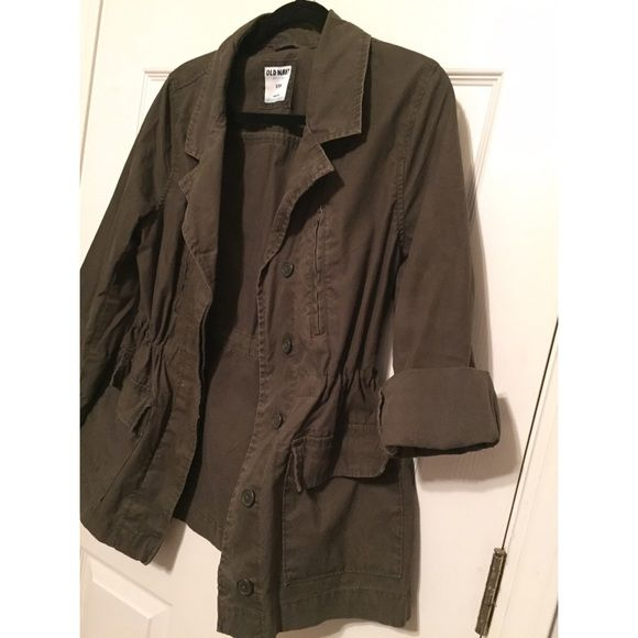 Old Navy Olive 3/4 sleeve trench Trench coat with cinched waist.  Drawstring ties on the inside of the coat.  Worn gently and a few times Old Navy Jackets & Coats Trench Coats