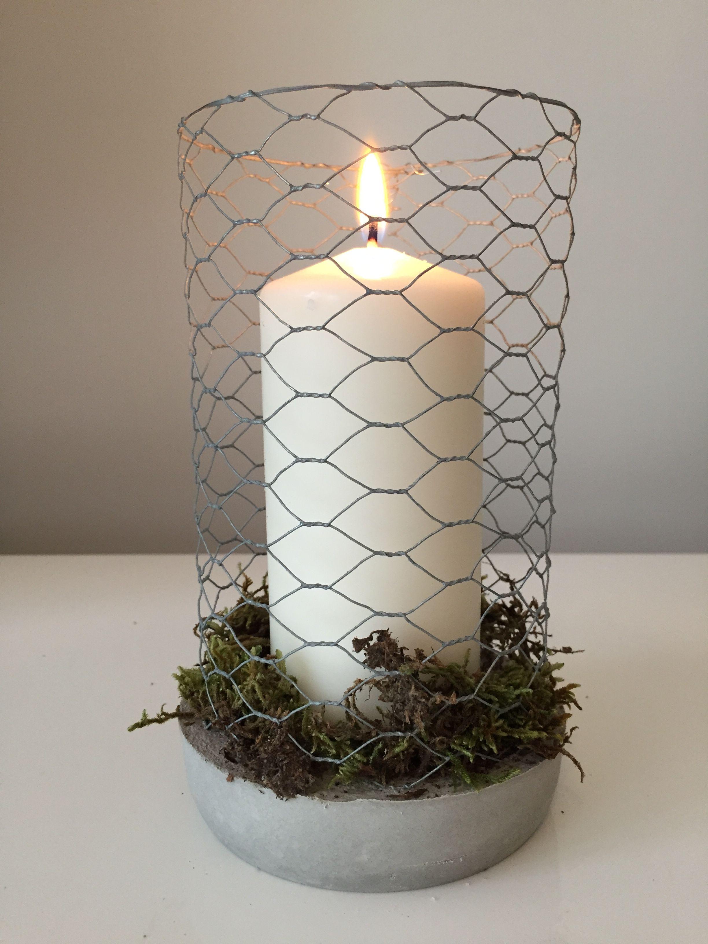 diy kerzenhalter aus kaninchendraht in beton mit getrocknetem moos candles pinterest. Black Bedroom Furniture Sets. Home Design Ideas