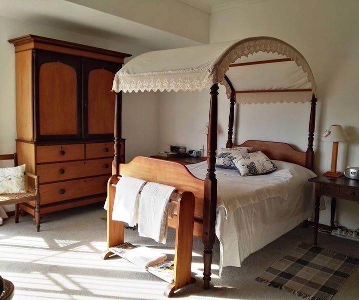 Best Vintage Bed For Sale Hemelbed Mosselbaai Gumtree 400 x 300