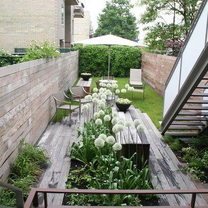 modernen kleiner reihenhausgarten gr nes gl ck. Black Bedroom Furniture Sets. Home Design Ideas