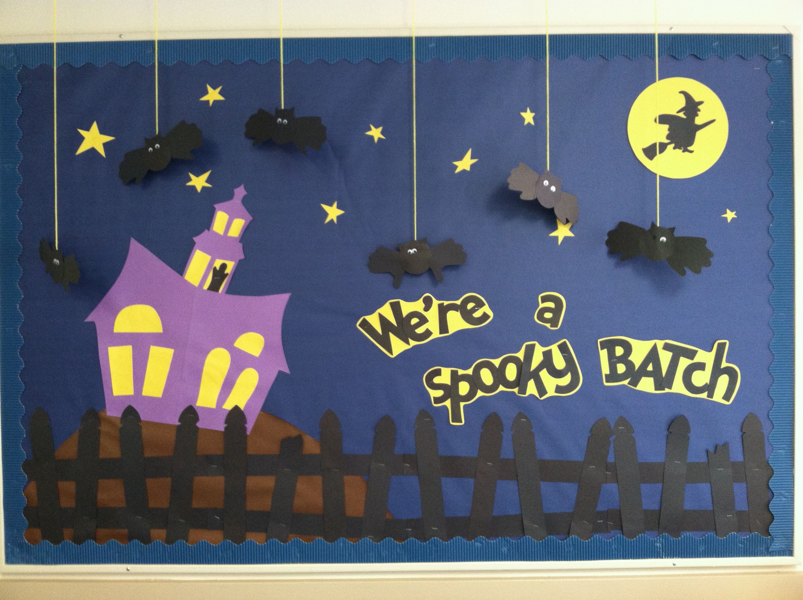 October Classroom Decor : Halloween bulletin board bat witch ghost