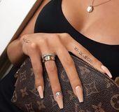 81 kleine sinnvolle Tattoos für Frauen Permanente und temporäre Tattoo-Designs