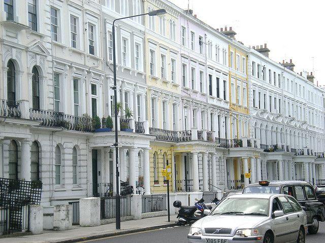 Notting Hills schyssta hus by Flygstolen, via Flickr #England #Storbritannien #Great #Britain #City #Stad #Huvudstad #Travel #Resa #Resmål #Europe #Europa  #NottingHill #Notting #Hill