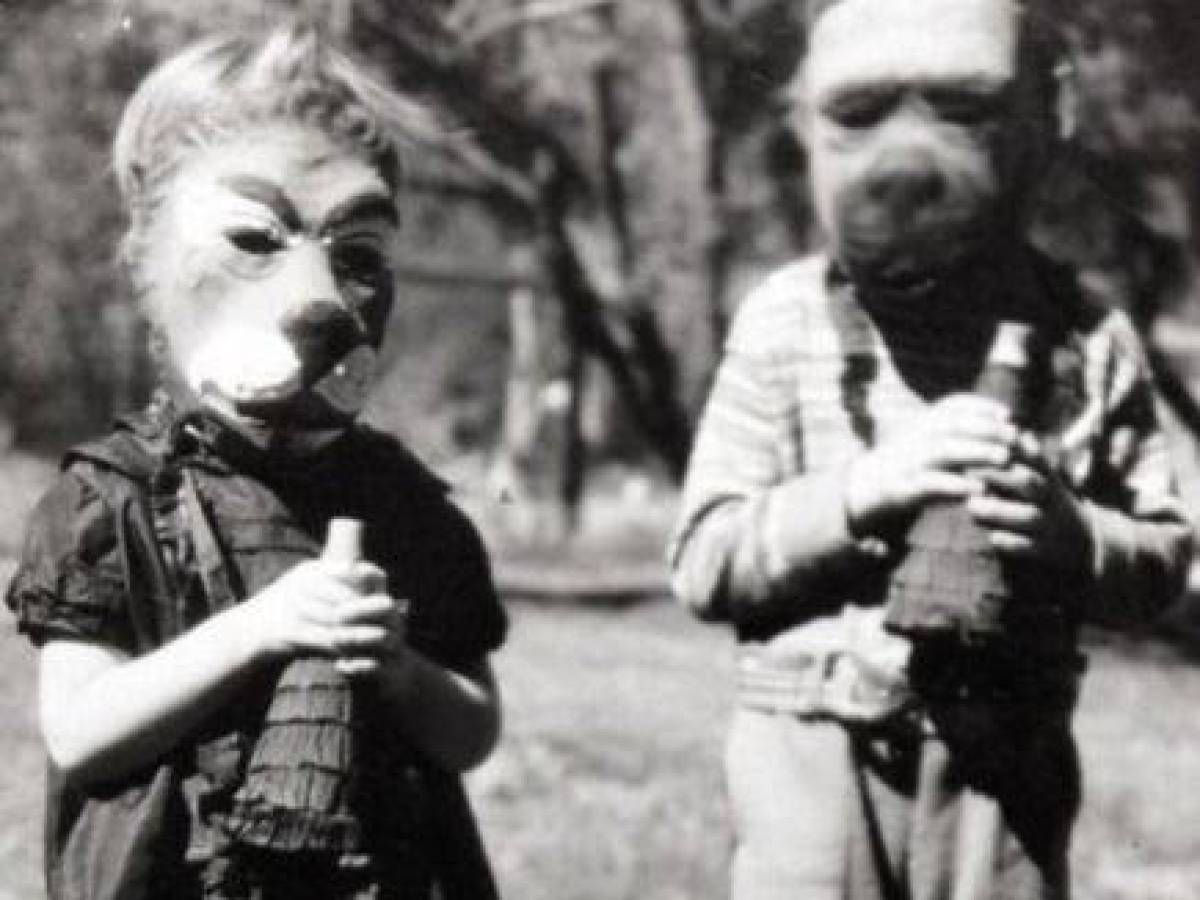 halloween in the 1900s a yard would be filled with terrifying ghouls burglars - Halloween Costumes 1900