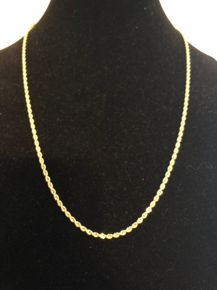 This Is A 24 10k Yellow Gold Rope Chain It Is Approximately 2 75mm Thick It Is A Hollow Chain And Weighs Approximat Stamped Necklaces Gold Rope Chains Chain