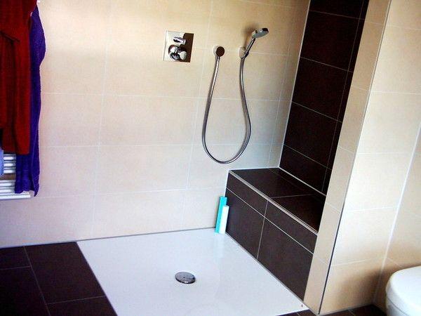 Sitz In Der Dusche geflieste bank wand in anderer farbe bad bänke