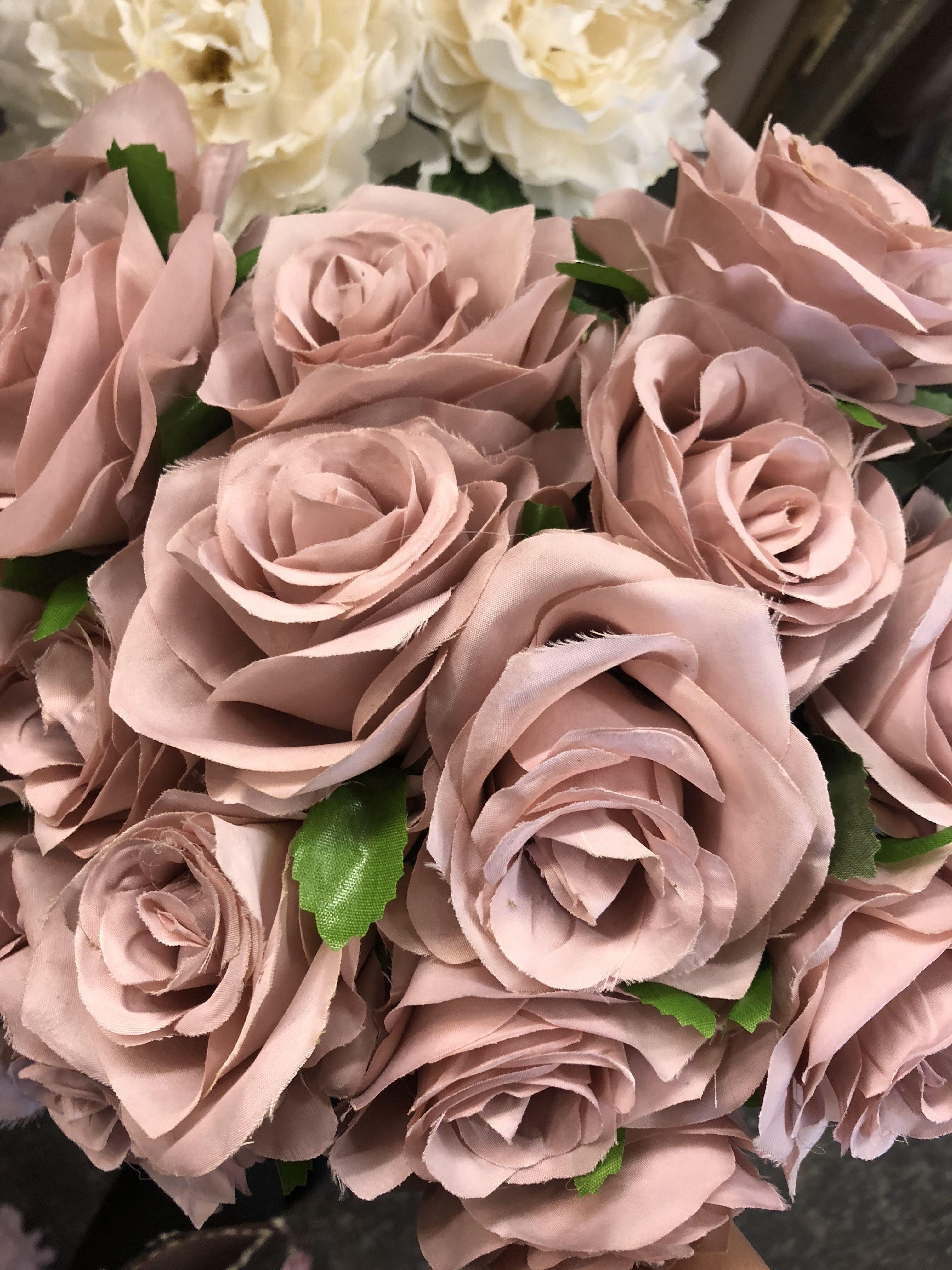 1050 For Sale Silk Flower Viva Rosa Centrepiece Vases