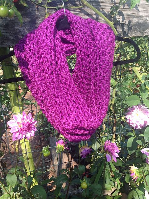 Magenta Infinity Scarf pattern by Undeniable Glitter- Alyssa | thuis ...
