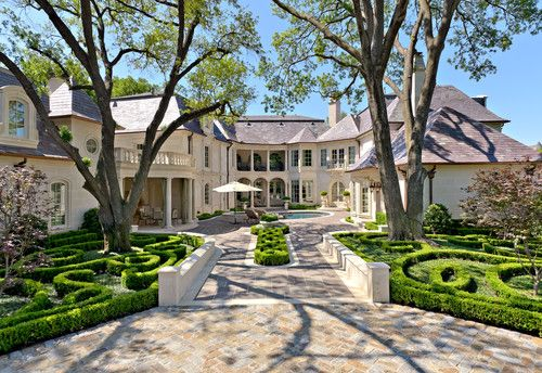 Formal Residence And Garden Highland Park Tx Harold Leidner Landscape Architects Luxury Landscaping Mediterranean Landscaping Luxury Garden
