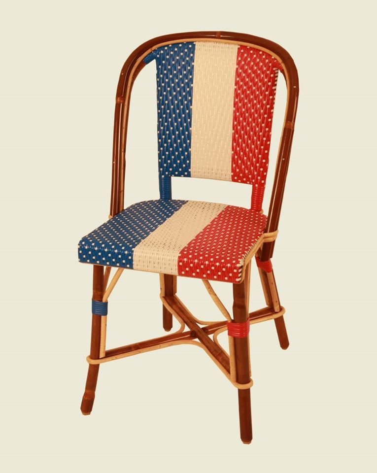 Bleu Blanc Rouge Chaise Tricolore En Rotin Par La Maison Drucker Painted Furniture Furniture Chair