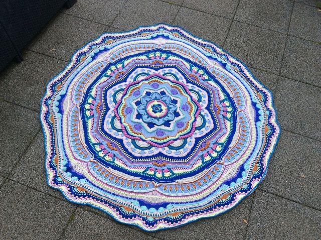 Ravelry Carlara S Mandala Decke Mandala Ravelry Und Deckchen