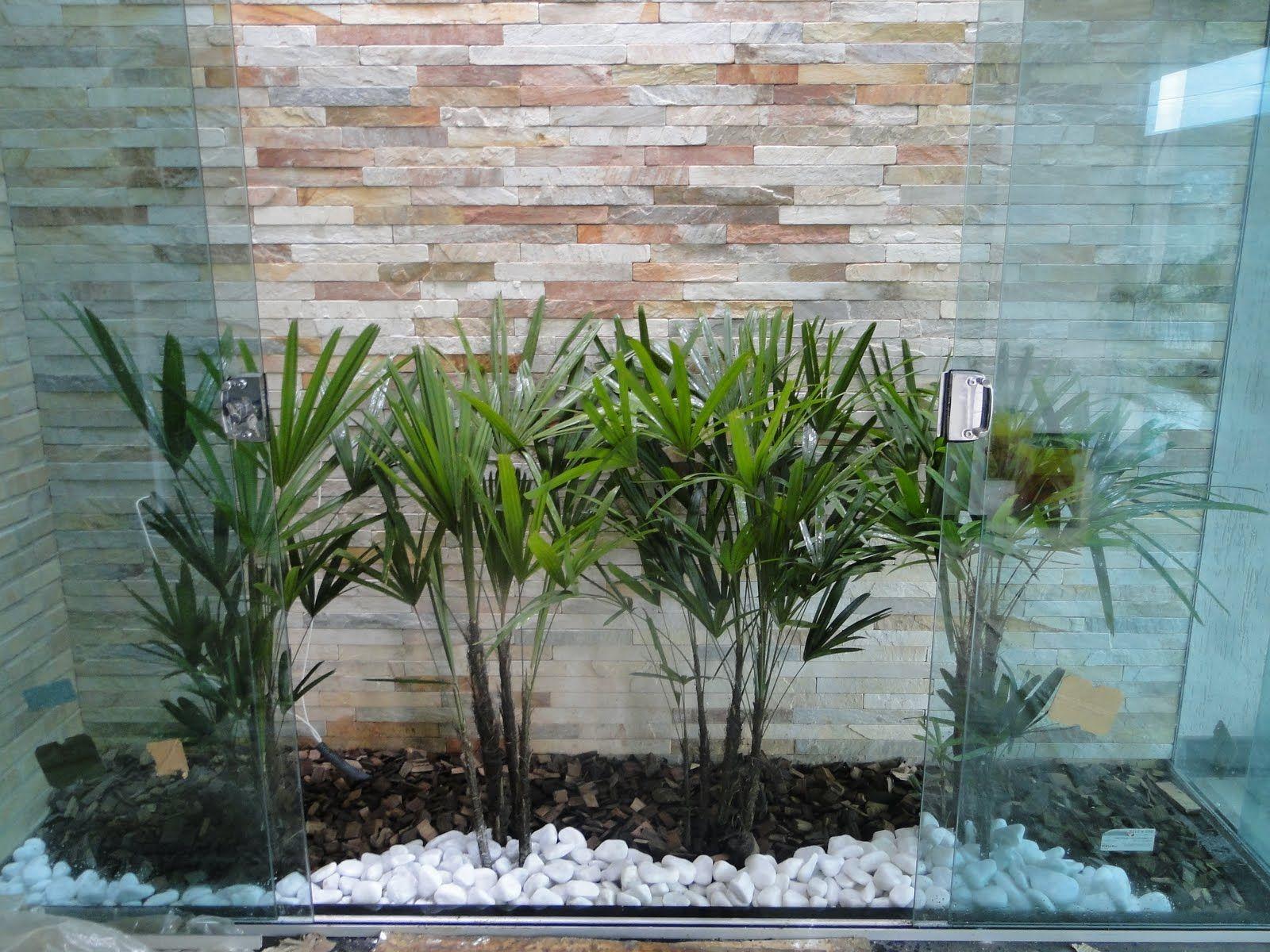 Jardim de Inverno Pequeno e Simples com cascata, paletes e