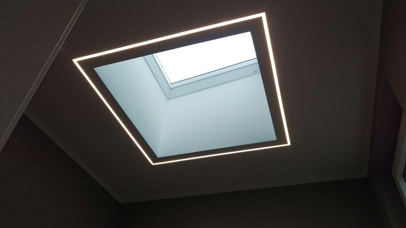 LED-Beleuchtung um Dachfenster   Beleuchtung   Pinterest   Elektro ...