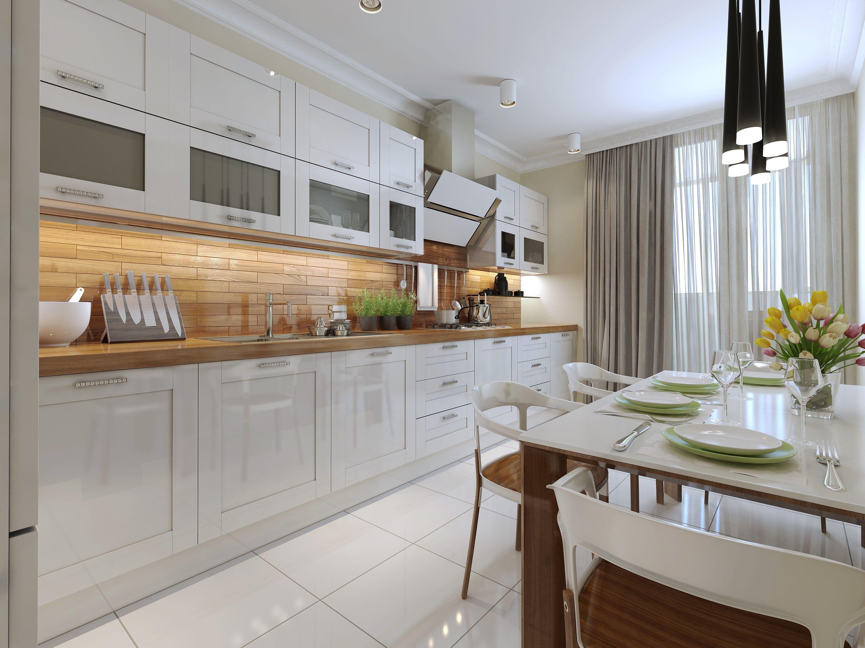 Piękna Klasyczna Kuchnia Z Białymi Szafkami I Brązowym
