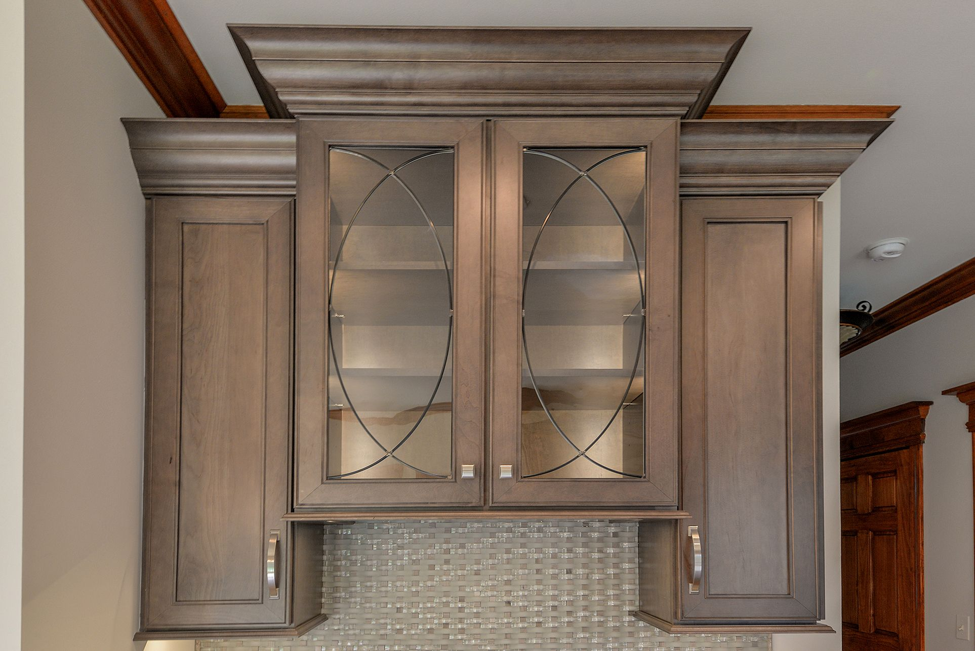 Wellborn Cabinet Inc Premier Series Sonoma Door Style On Maple Wood Stained With Drift Kitchen Remodel Pictures Kitchen Remodel Wellborn Cabinets
