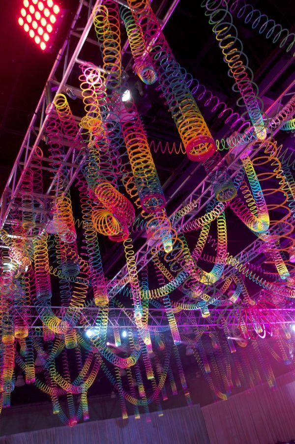 Photo of 38 Beispiele für Disco Theme Partydekorationen