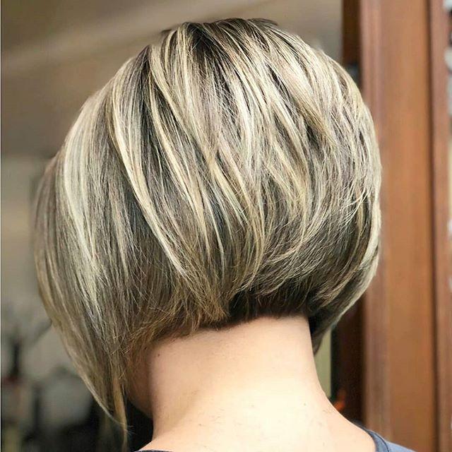 64 Beste Bob Frisuren Stufig Hinterkopf In 2020 Lockige Bob Haarschnitte Bob Frisur Haarschnitt Ideen