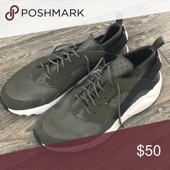 Men's Nike Huarache Ultra Size 15