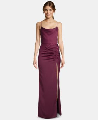 $219 Sangria gown dress for fall 2019. Pick this beautiful dress made by betsy & adam. The fabric used to craft this dress is satin. The gown style will definitely make the dress stand out.