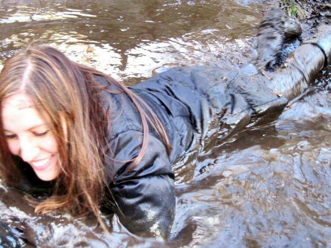 Pin szerzője: péter kocsis közzétéve itt: fetish mud in down jacket