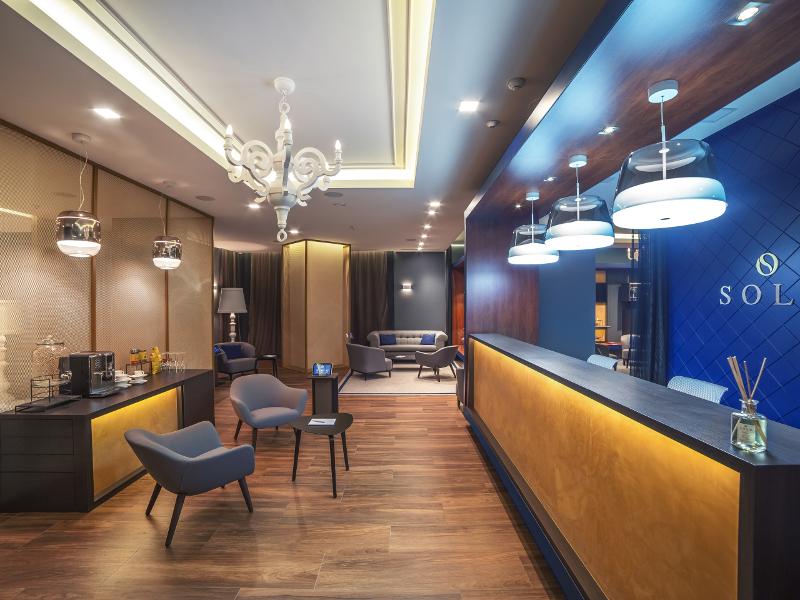 Ambientazioni uffici illuminazione interni design lampade for Ambientazioni case moderne