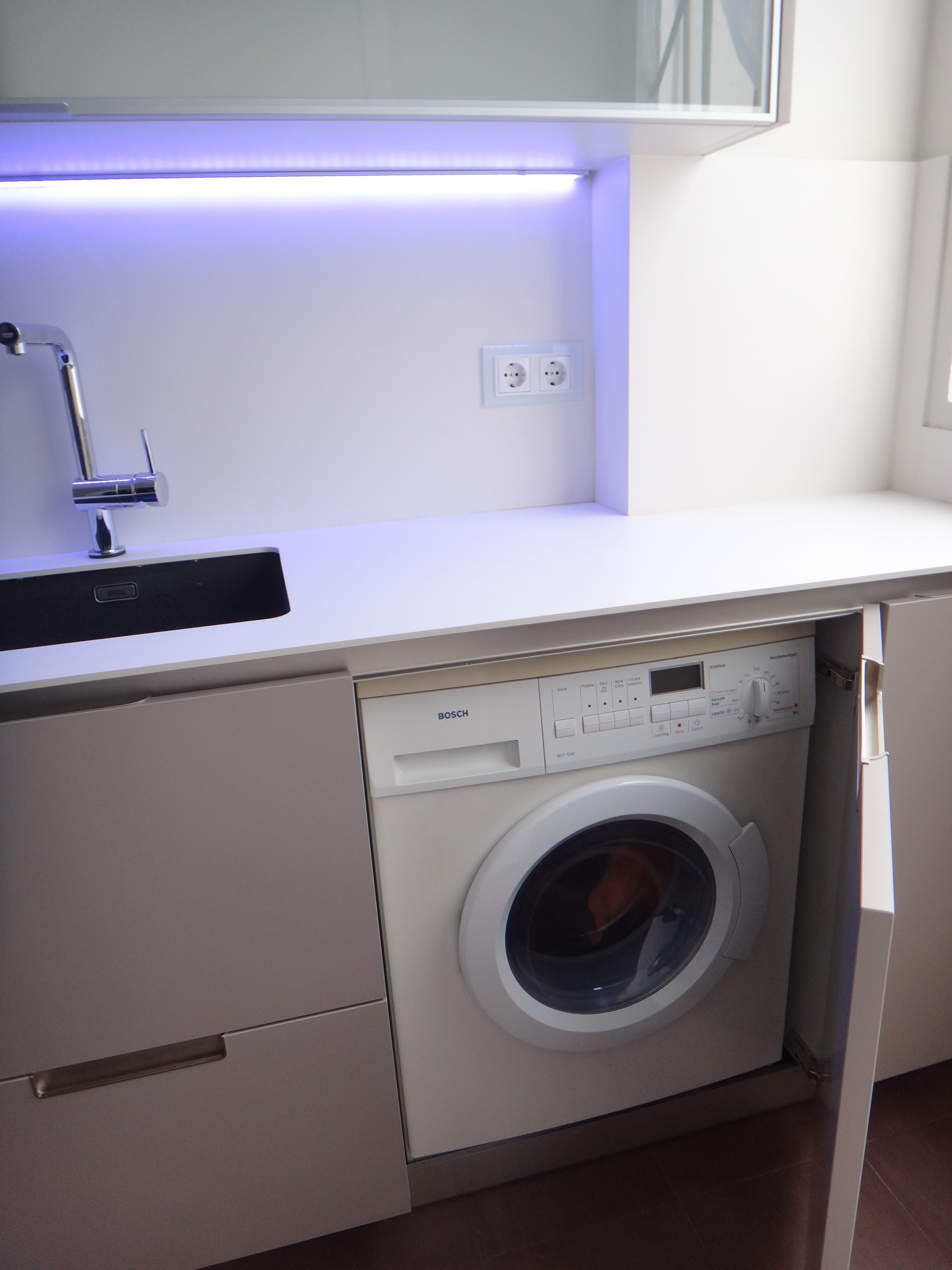 Lavadora De Libre Instalacion Integrada En Cocina Con Puerta