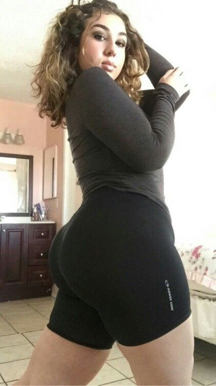 thick-arab-girl-booty