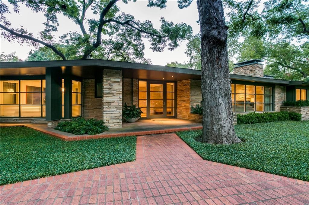 This website shares mid-century modern homes and buildings in ...