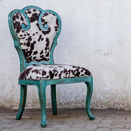 Stylish Turquoise Cow Print Accent Chair