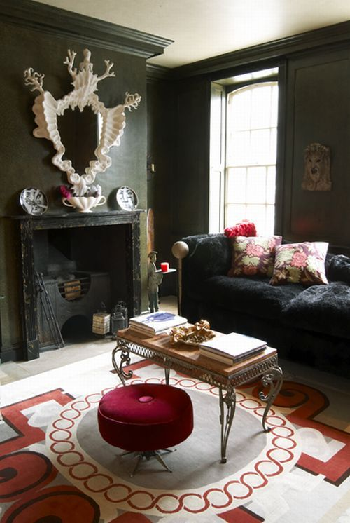 black walls with red accents / gorgeous mirror Decorating ideas