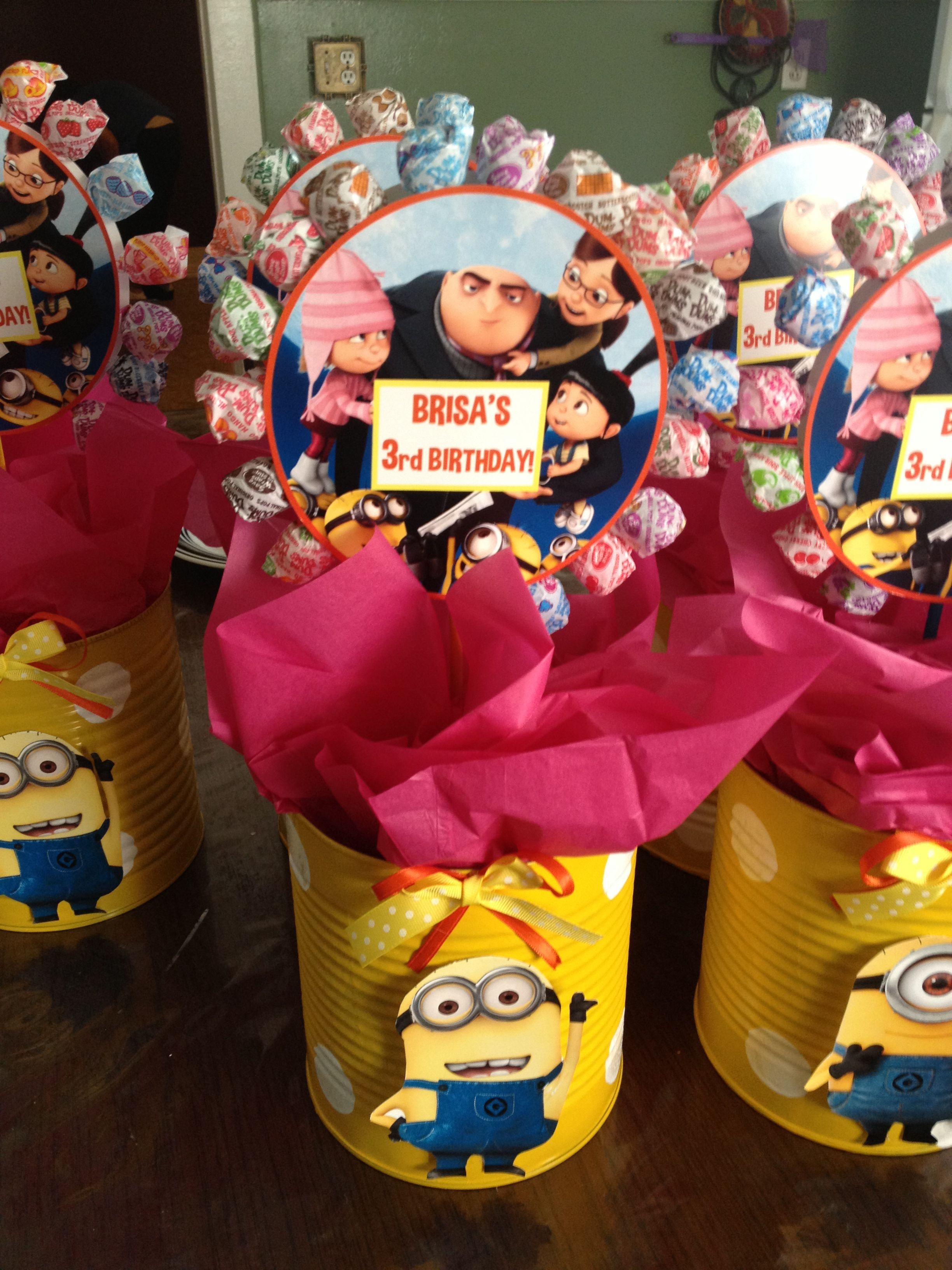 despicable me centerpieces stuff i have made birthday party rh pinterest com