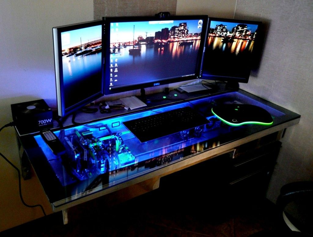 Gaming Paradies 17 Ideen Fur Gaming Schreibtisch Innendesign Mobel Zenideen Gaming Schreibtisch Pc Schreibtisch Glasschreibtisch