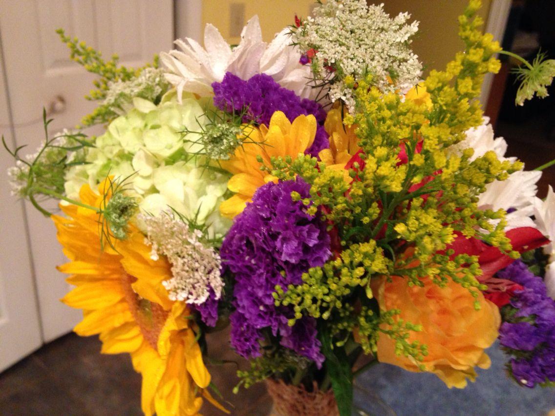 Brides bouquet, using Queen Ann's Lace