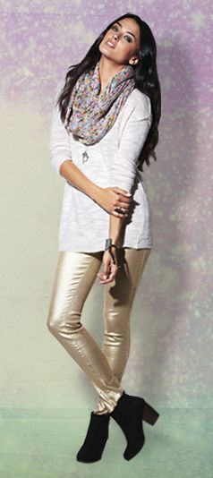 b406a6b3be6529 Love the gold pants and scarf!  holidaylooks  pacsun