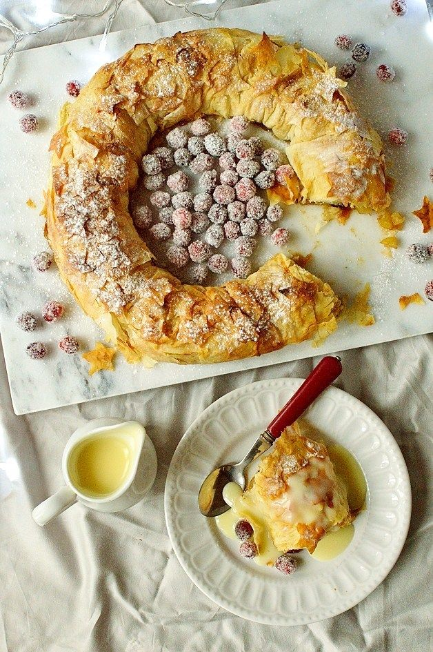 Festive apple and mincemeat filo pastry strudel wreath - Domestic Gothess