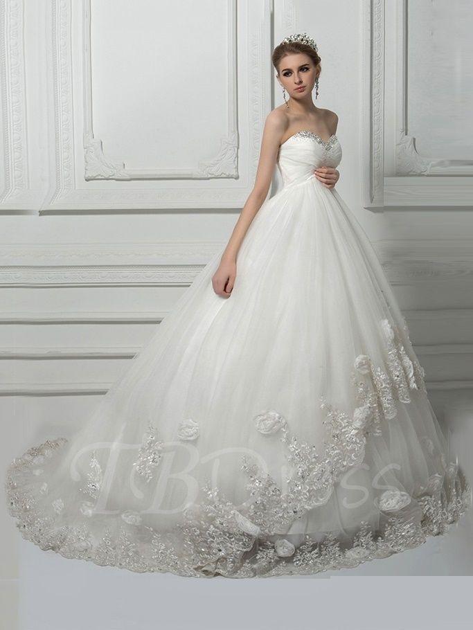 Pin By Noemi Csabragi On Eskuvore Ball Gowns Wedding Pregnant Wedding Dress Maternity Bridal Gowns