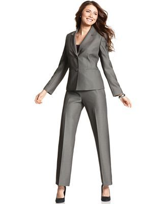 This Article Discusses The Importance Of Evening Formal Pants Suits