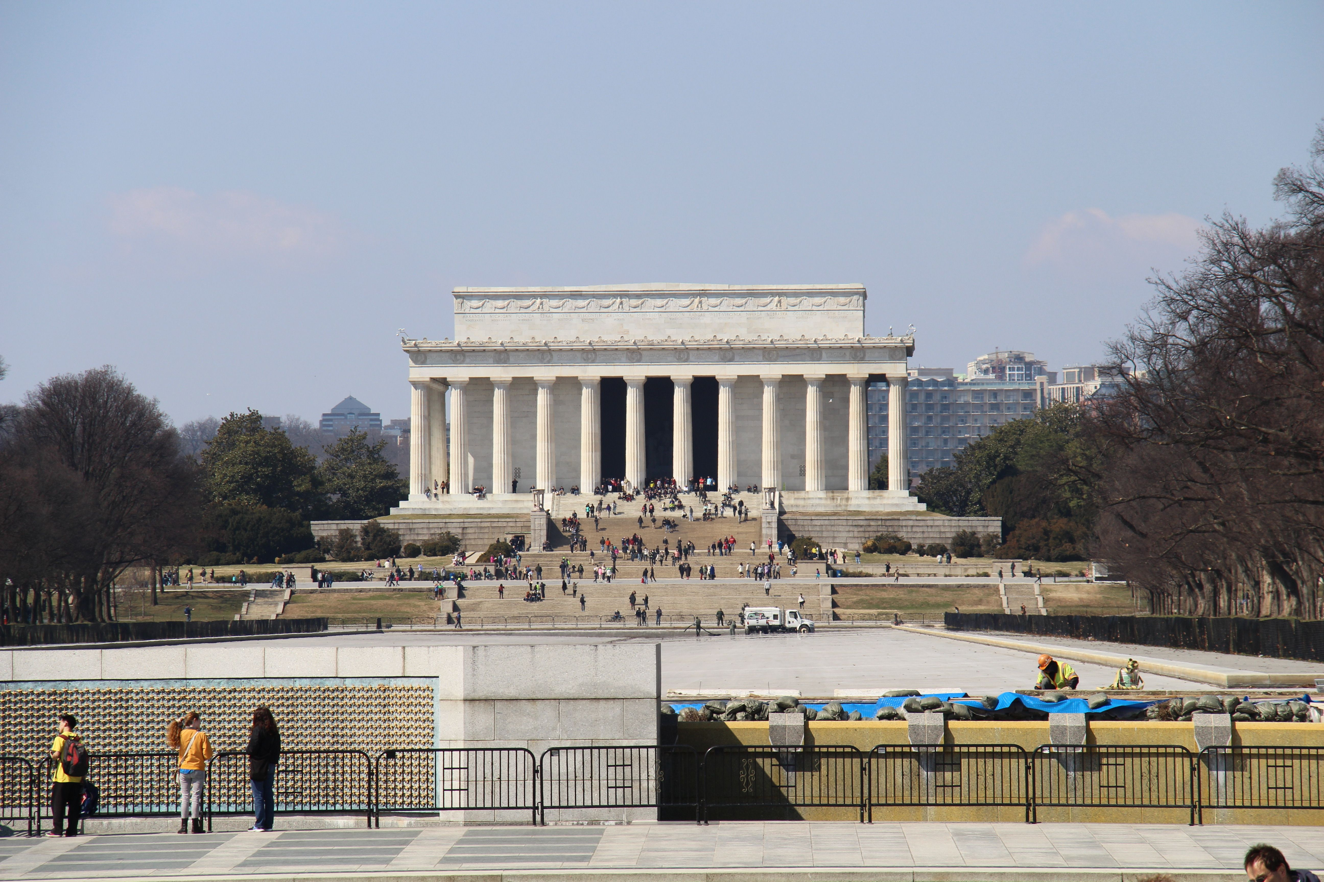 This is the view of the Lincoln Memorial from the WWII Memorial. It's not that far, you can join both buildings in only 10 minutes walk.