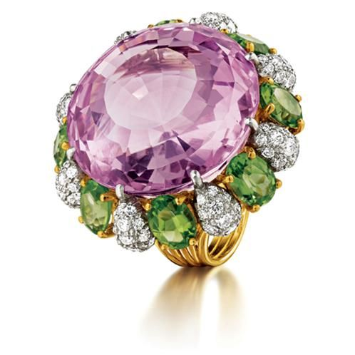 Verdura Raja Ring     Round faceted kunzite, peridot, platinum, diamond and 18k yellow gold.